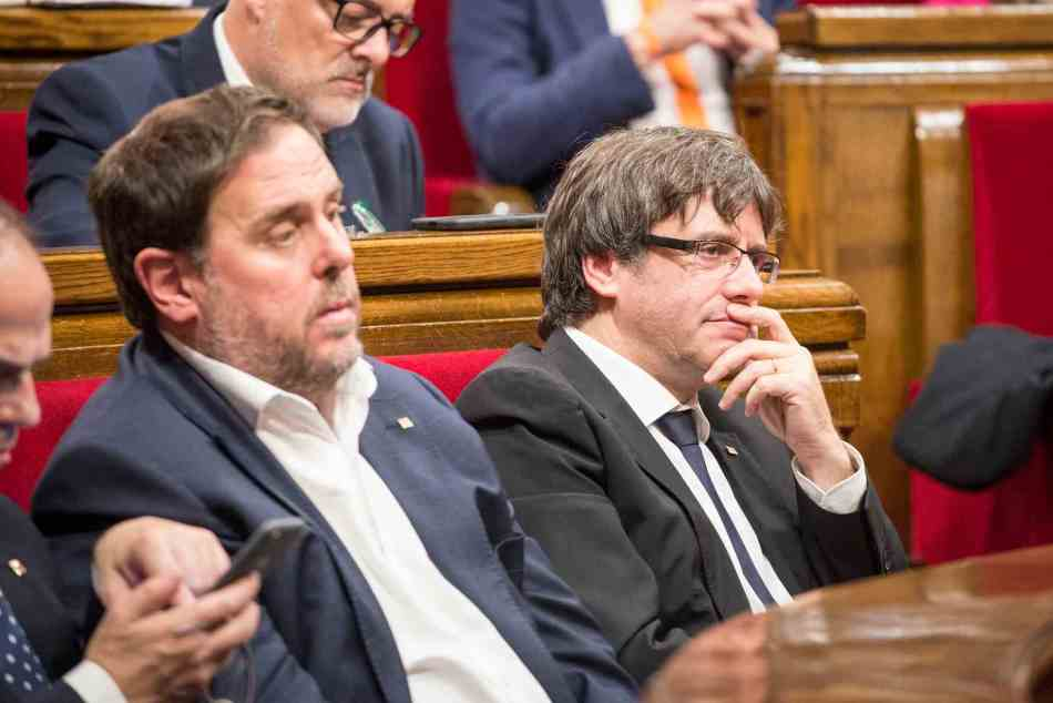 puigdemont y junqueras en el Parlament